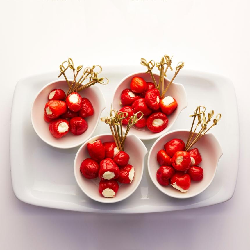 Συνταγή για κόκκινες πιπεριές γεμιστές με τυρί ρικότα