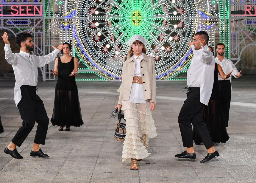 Δες το φαντασμαγορικό show του Dior που έγινε στην Puglia της Ιταλίας