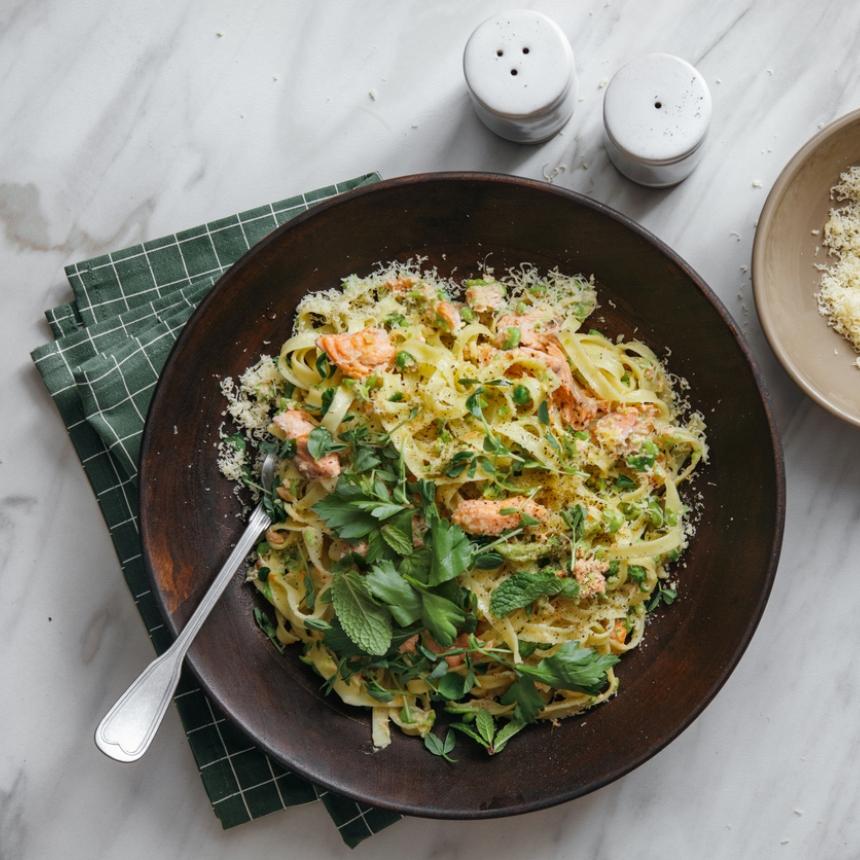 Συνταγή για λαχταριστή μακαρονάδα με σολομό