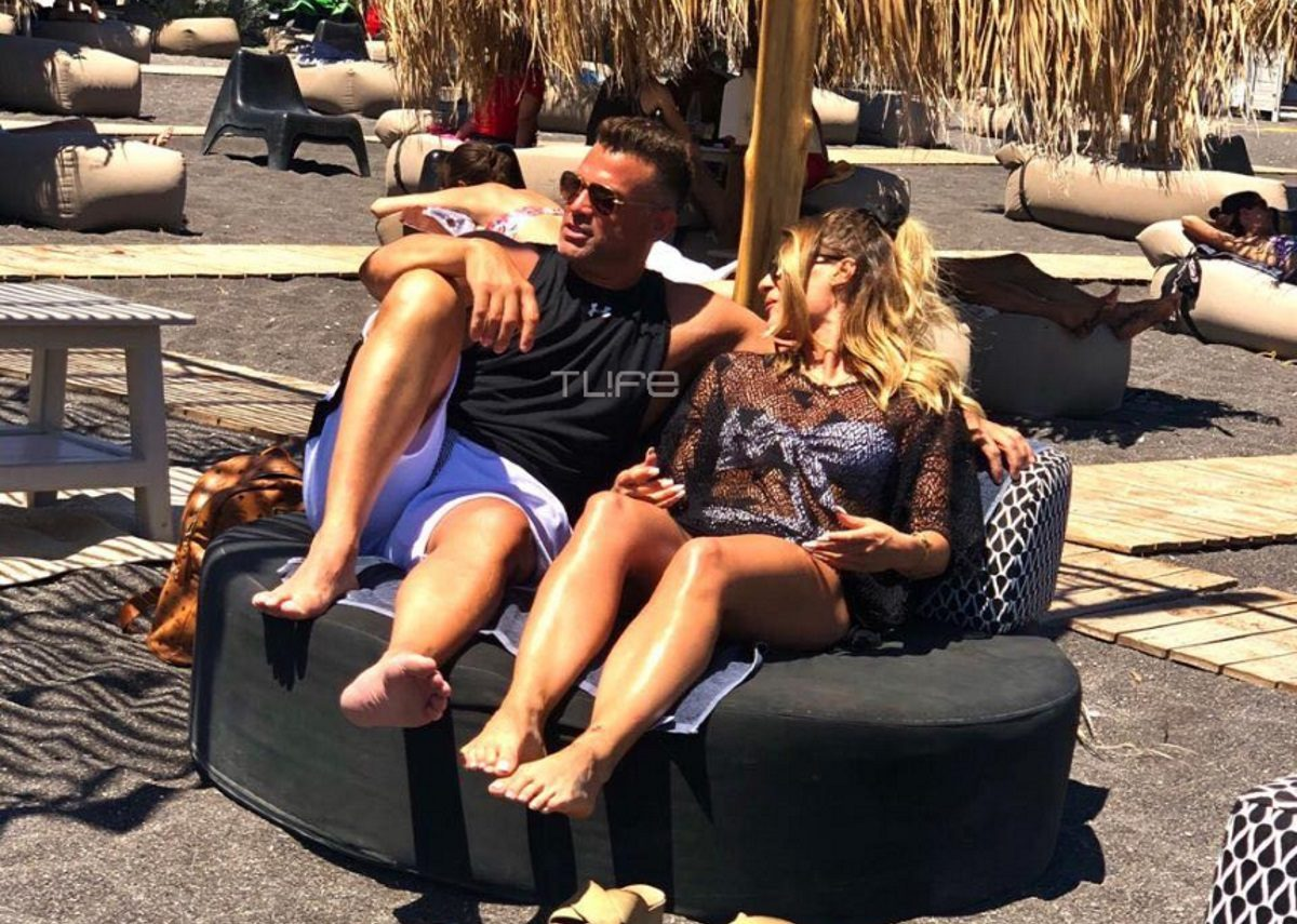 Κώστας Σόμμερ: Full in love με τη σύντροφό του, Βαλεντίνη Παπαδάκη, στην Σαντορίνη [pics] | tlife.gr