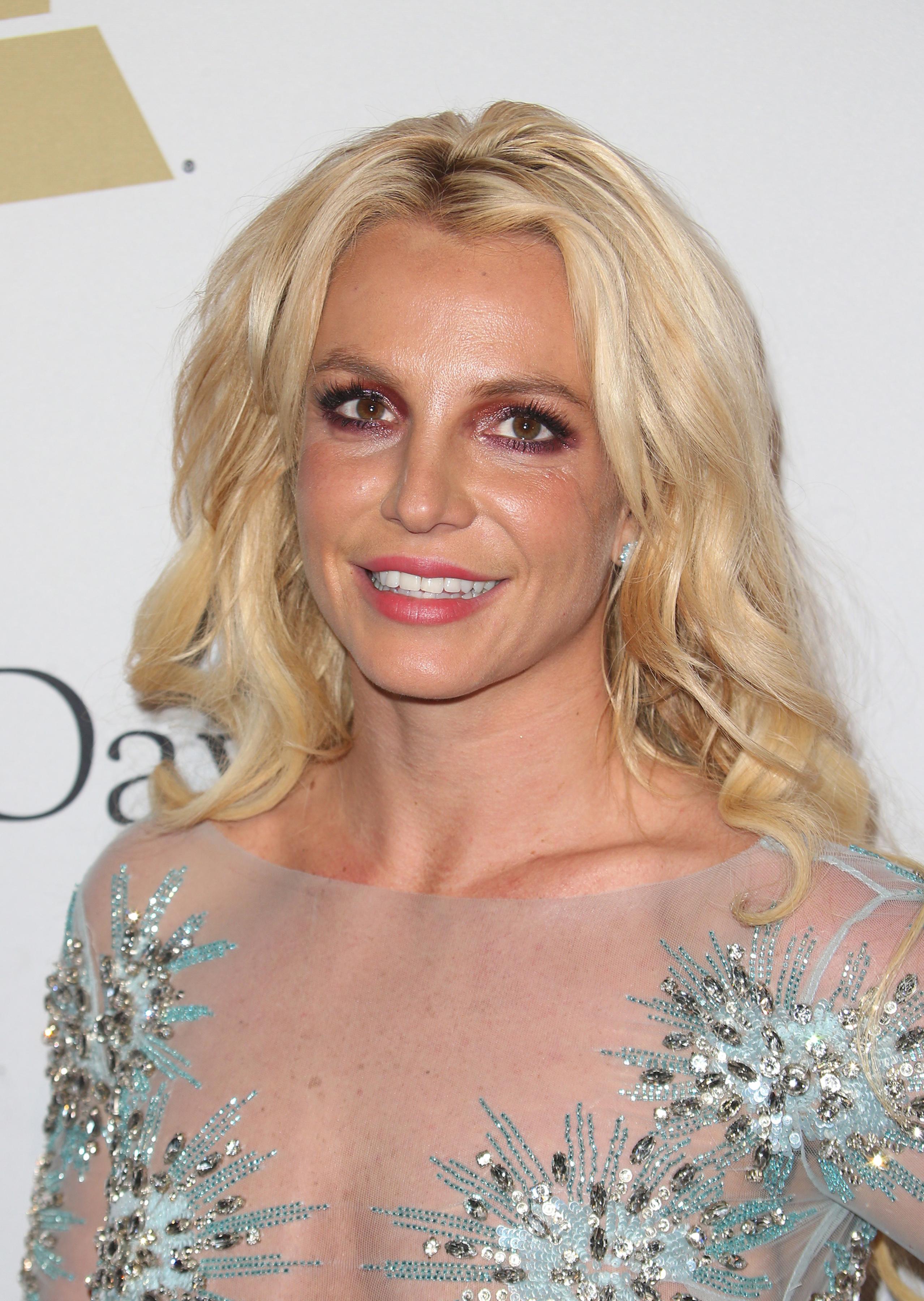 Η Britney Spears αποφάσισε να σταματήσει να βάφεται!