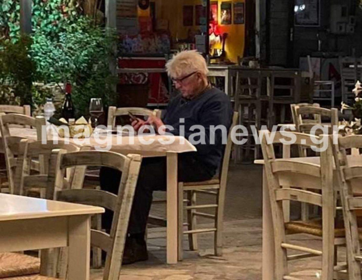 Πήλιο: Το έριξε στις καραβίδες ο πατέρας του Μπόρις Τζόνσον! Το δείπνο σε ταβέρνα που έγινε θέμα συζήτησης | tlife.gr
