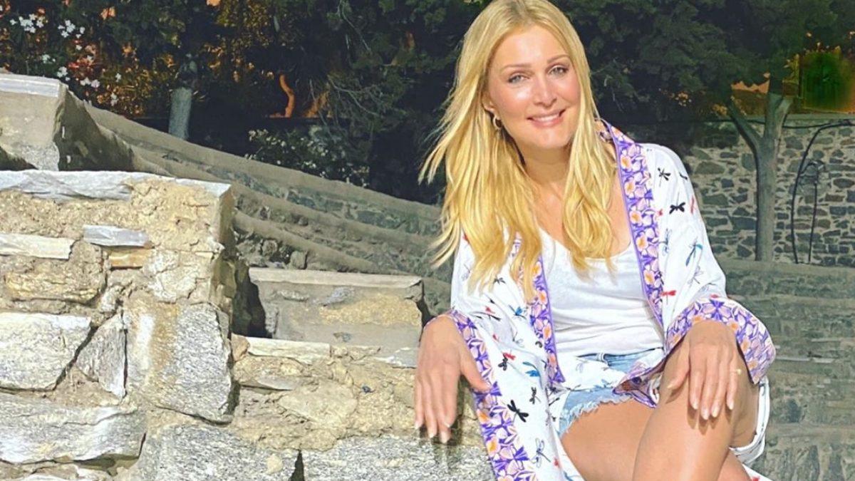 Η Νατάσα Θεοδωρίδου κάνει διακοπές στη Μύκονο με την κόρη της! [video]   tlife.gr