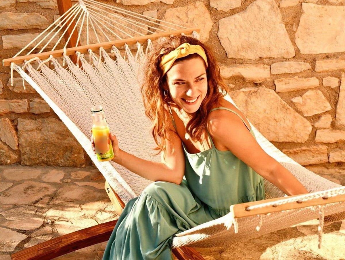 Βάσω Λασκαράκη: Απόλαυσε το λαχταριστό brunch της στην αυλή του σπιτιού της στην Κρήτη [pics]   tlife.gr