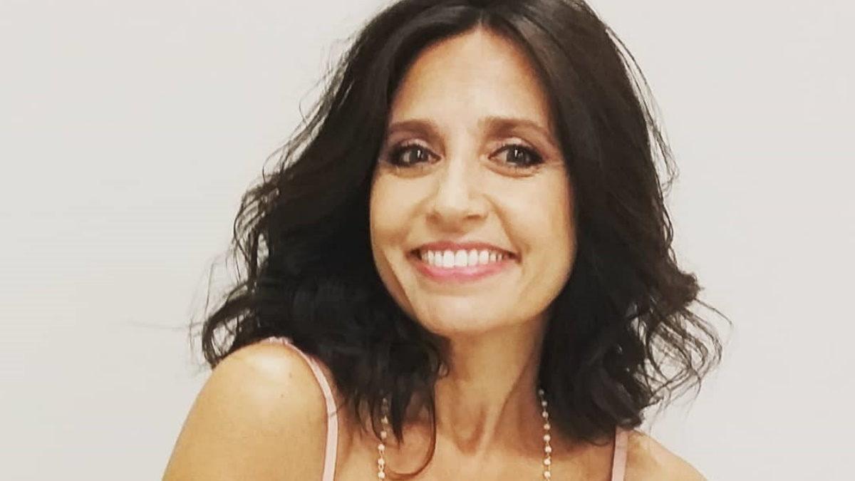 Η Βάσω Γουλιελμάκη ποζάρει με μπικίνι στα 50 της και εντυπωσιάζει με το κορμί που διαθέτει!   tlife.gr