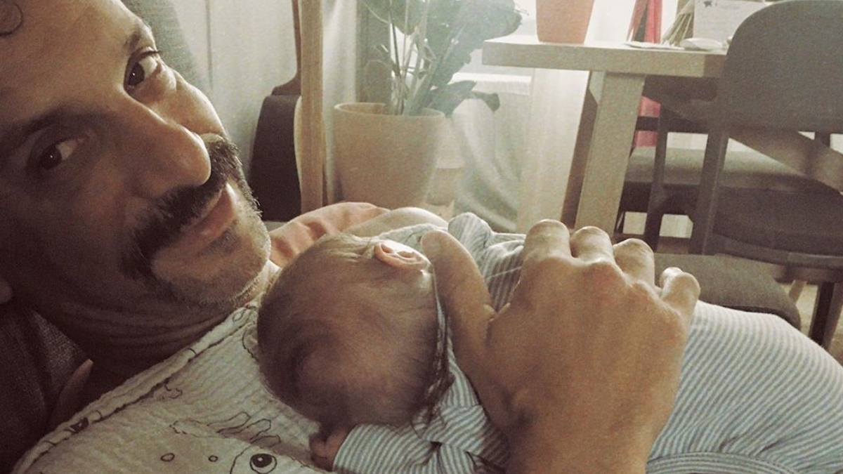 Γιώργος Χρανιώτης: Έτσι νανουρίζει τον γιο του! [video]