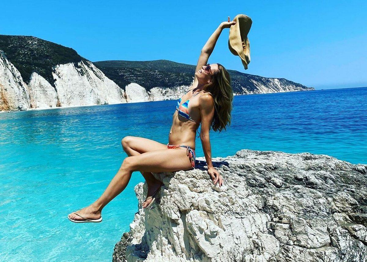 Μαριέττα Χρουσαλά: Χαίρεται το καλοκαίρι της! Οι υποβρύχιες λήψεις στους Αντίπαξους με τον σύζυγό της [pics] | tlife.gr