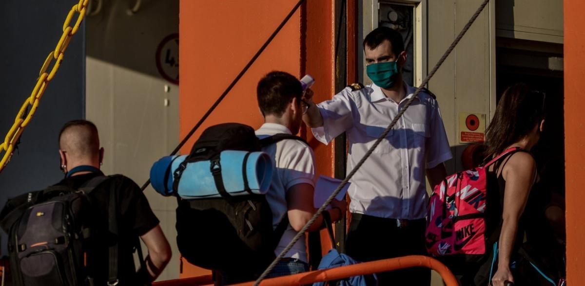 230 νέα κρούσματα ανήμερα του Δεκαπενταύγουστου στην Ελλάδα – Τρεις νεκροί