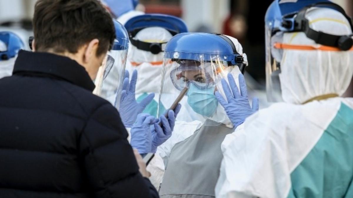 Συναγερμός για τον κορονοϊό – Μπορεί να δούμε μέχρι και 600 κρούσματα την ημέρα