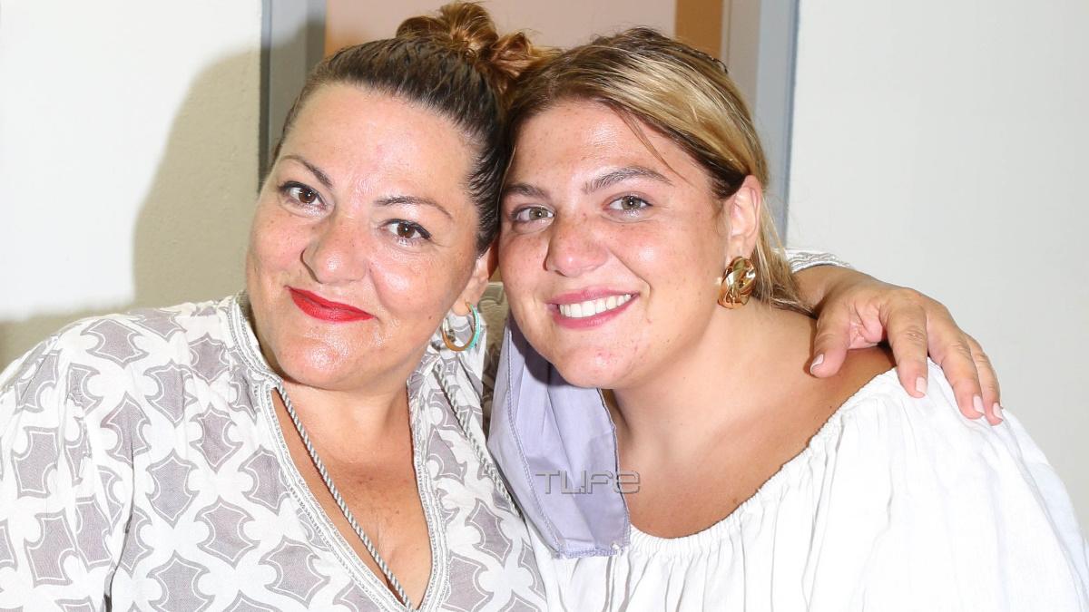 """Δανάη Μπάρκα: Απόλαυσε τη μητέρα της ως """"Λυσιστράτη"""" στο Θέατρο Πέτρας! [pics]"""