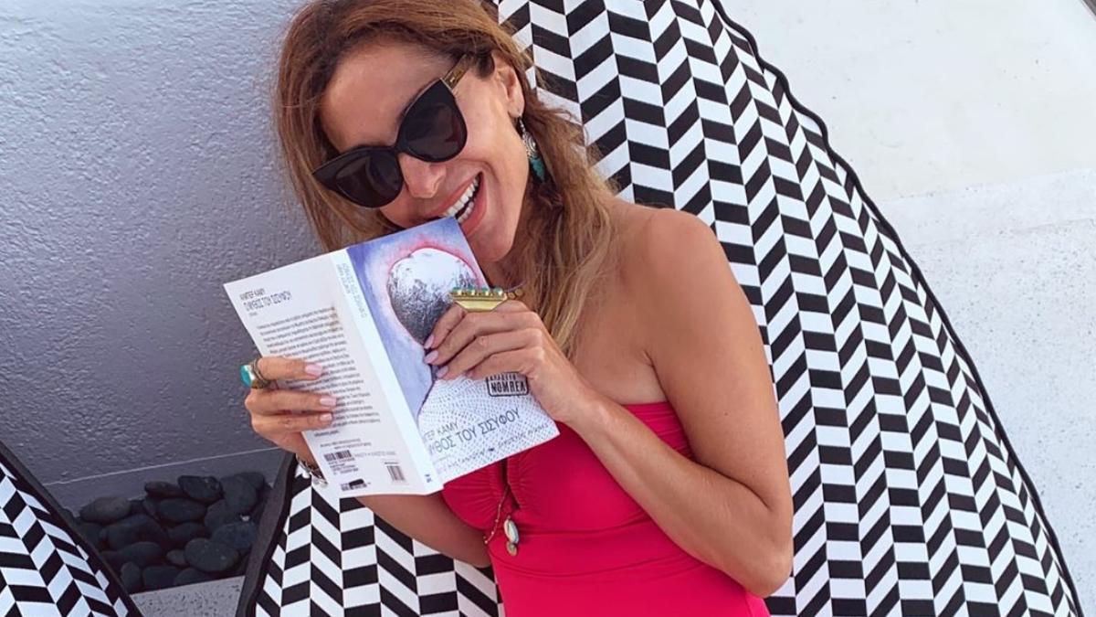Δέσποινα Βανδή: Στην παραλία με την κόρη της Μελίνα! [pics]