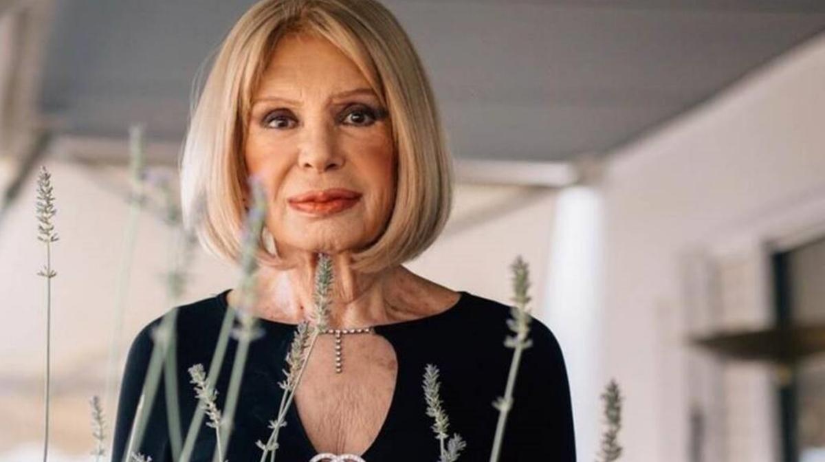 Ρίκα Διαλυνά: Εγκατέλειψε την πολυτελή οικία που έμενε με τον αείμνηστο Νίκο Χρυσικόπουλο!