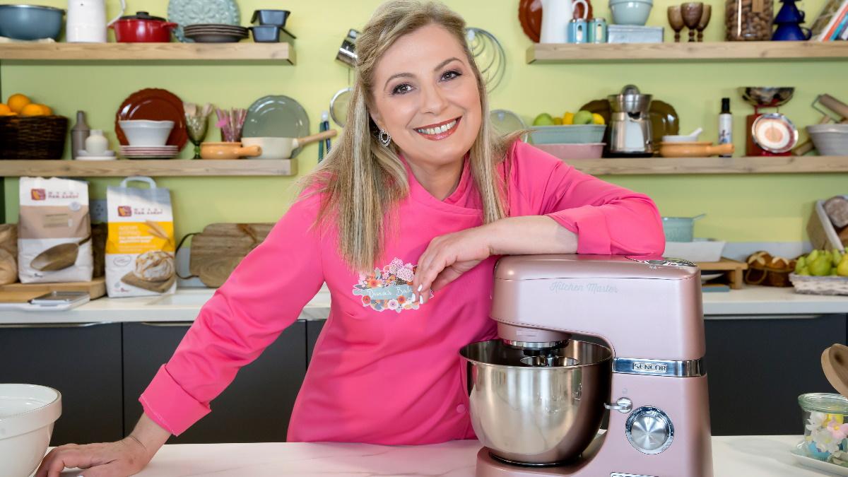 Η Ντίνα Νικολάου επίσημα στο MEGA με το «Dina's Bakery»! Πότε κάνει πρεμιέρα;