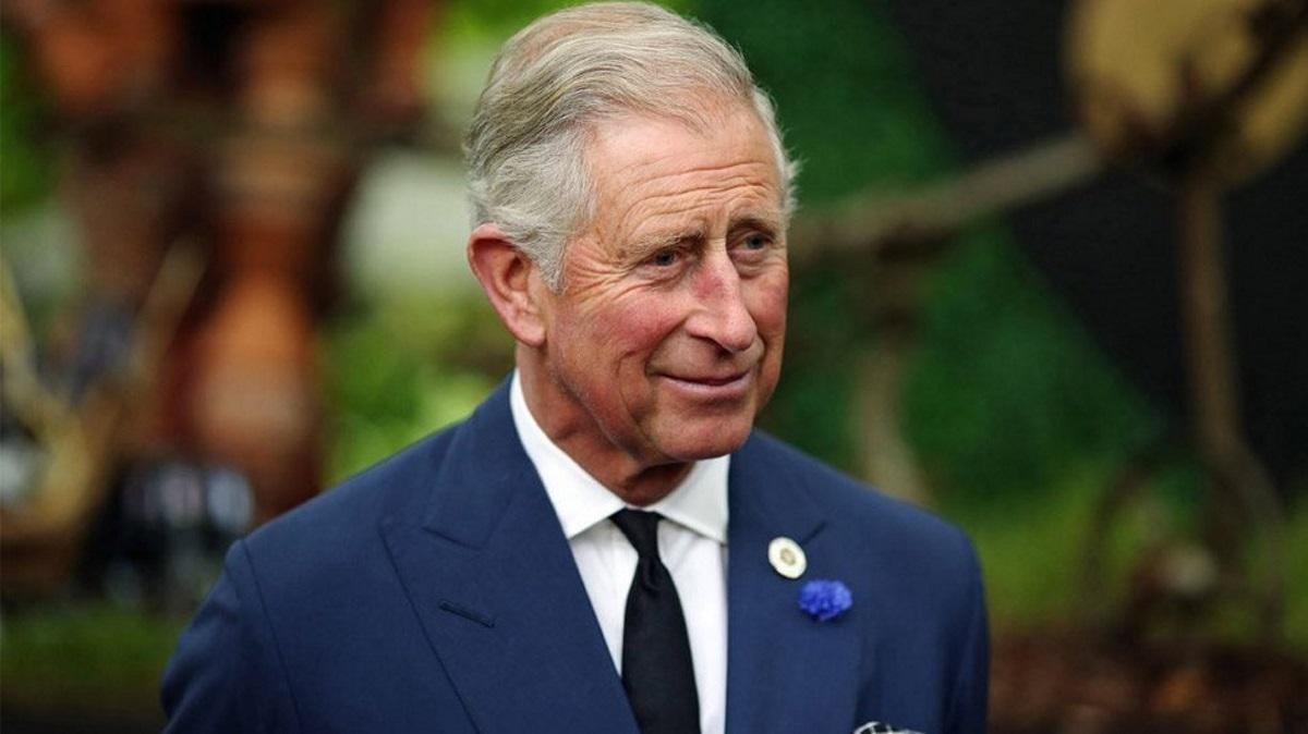 Ο πρίγκιπας Κάρολος εγκαταλείπει τη βιολογική φάρμα του ενόψει των βασιλικών του καθηκόντων