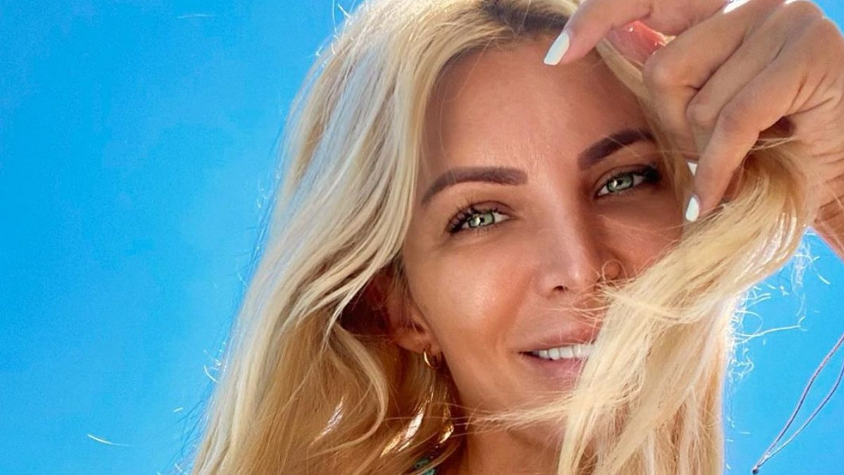 Κατερίνα Καινούργιου – Φίλιππος Τσαγκρίδης: Ερωτευμένοι στους Παξούς!   tlife.gr