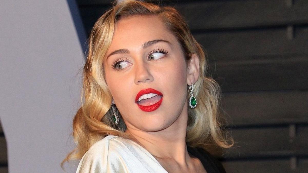 Η Miley Cyrus έβγαλε νέο τραγούδι, μετά τον χωρισμό της!