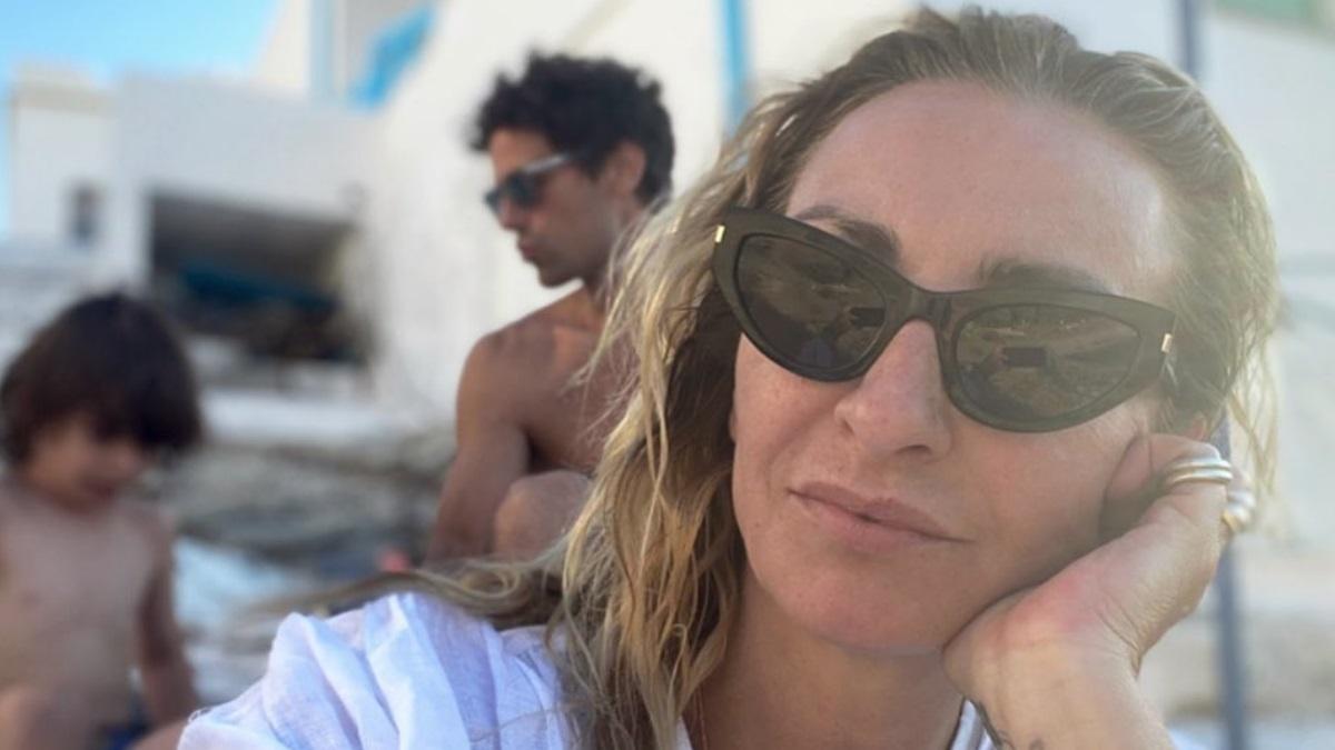 Κατάθεση ψυχής από την Ρούλα Ρέβη για την αδυναμία της στην Τήνο!