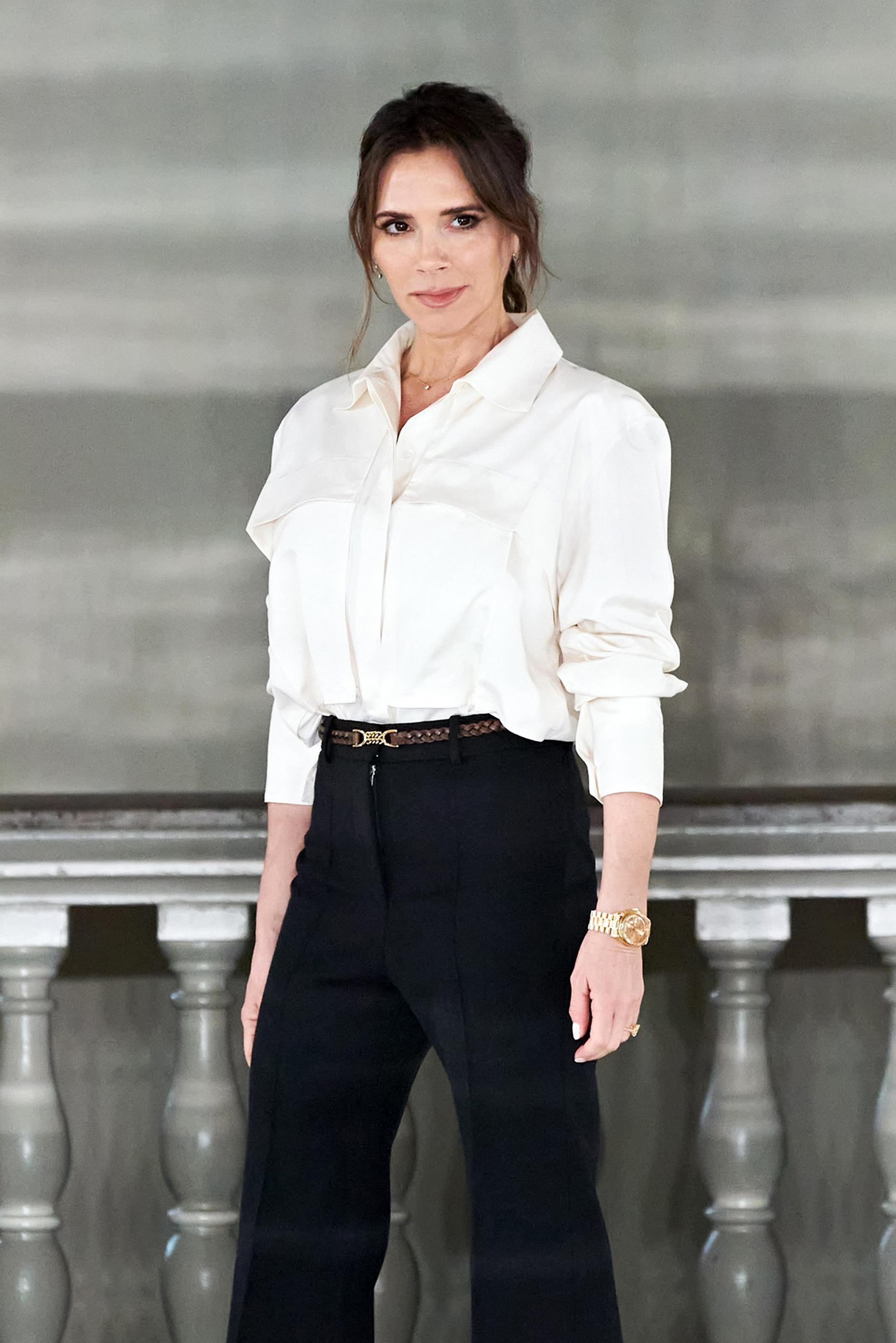 Η Victoria Beckham μας δείχνει τις φακίδες της (και ναι, θέλουμε κι εμείς αυτή την επιδερμίδα)!