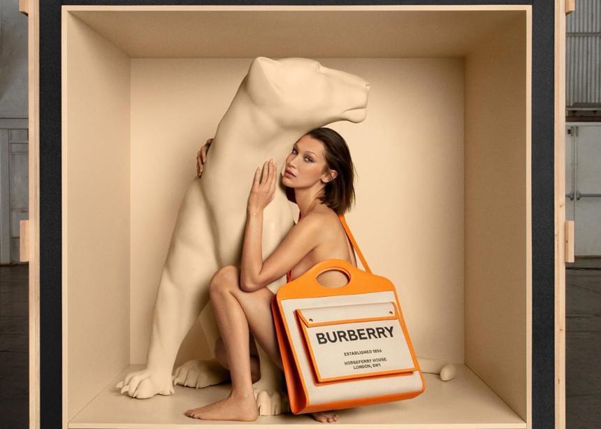 Η Bella Hadid πρωταγωνιστεί στην πρώτη bag campaign του οίκου Burberry