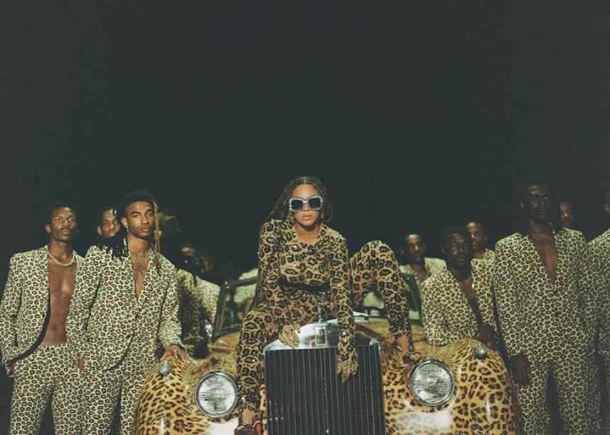 Ξεχωρίσαμε τα πιο εντυπωσιακά look από το νέο visual album της Beyonce!