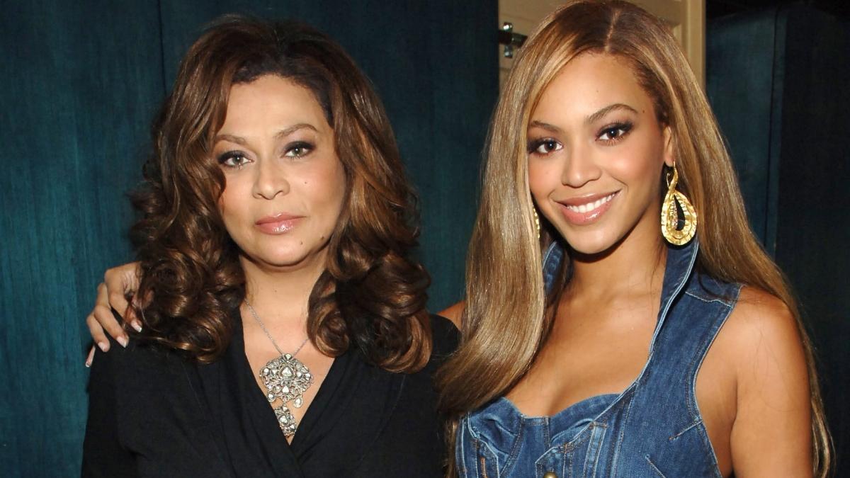 Ξέσπασε η μητέρα της Beyoncé! Τι ζητάει από την Άννα Γουίντουρ και τη Vogue;