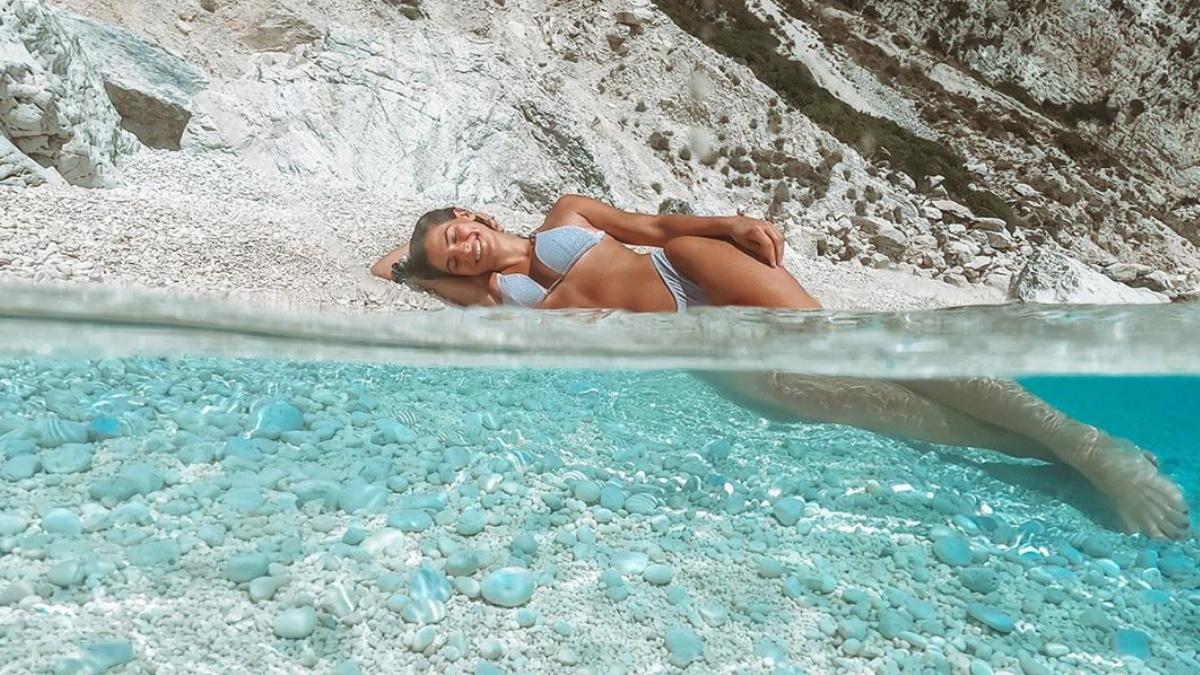 Χριστίνα Μπόμπα: Η κατάδυση σε θαλάσσια σπηλιά και οι ξέγνοιαστες στιγμές που περνά στους Παξούς! [pics,video]