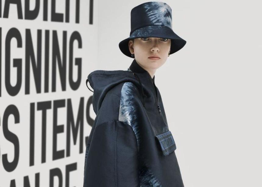 O οίκος Dior συνεχίζει να έχει εμμονή με αυτό το summer trend και το Φθινόπωρο
