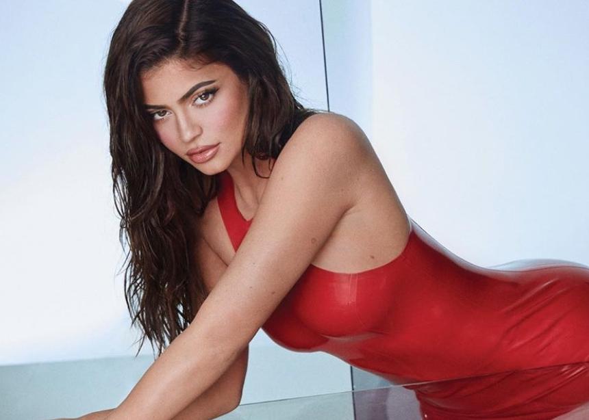 Δες το δώρο του οίκου Balmain στην Kylie Jenner για τα γενέθλια της