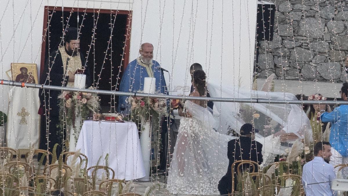 Εριέττα Κούρκουλου – Βύρων Βασιλειάδης: Αδημοσίευτες φωτογραφίες από το γάμο τους στη Μύκονο!