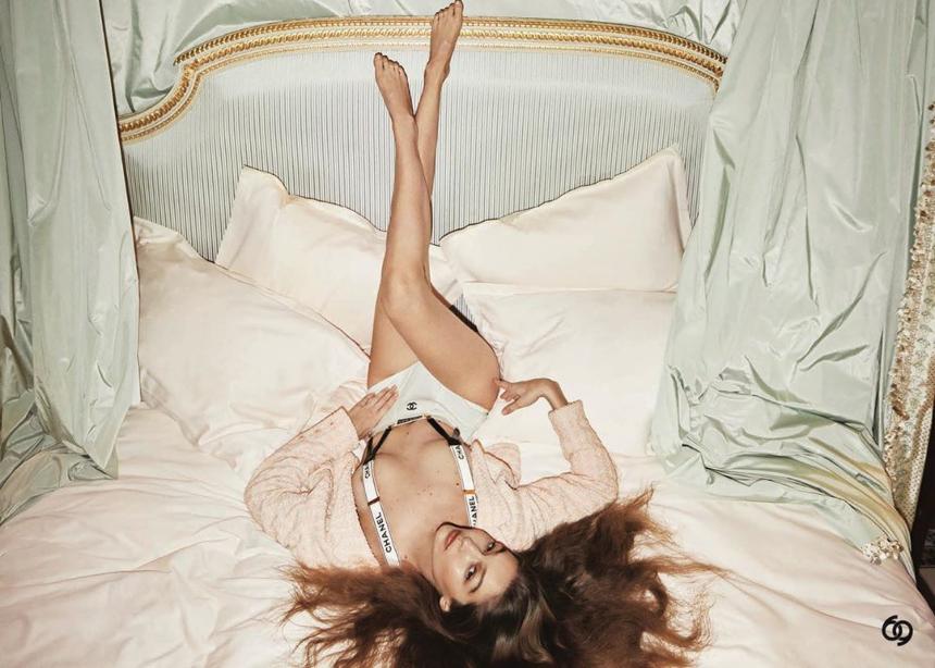 H Gigi Hadid στην τελευταία της καμπάνια φοράει αποκλειστικά Chanel