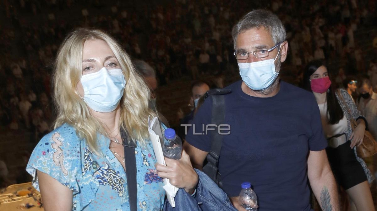 Θοδωρής Αθερίδης – Σμαράγδα Καρύδη: Στην Επίδαυρο φορώντας μάσκες προστασίας [pics]