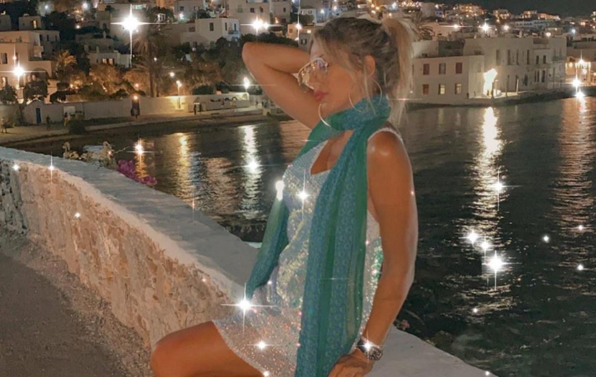 Κωνσταντίνα Σπυροπούλου: Δείπνο δίπλα στο κύμα, μετά την επιστροφή της από την Μύκονο! [pics]