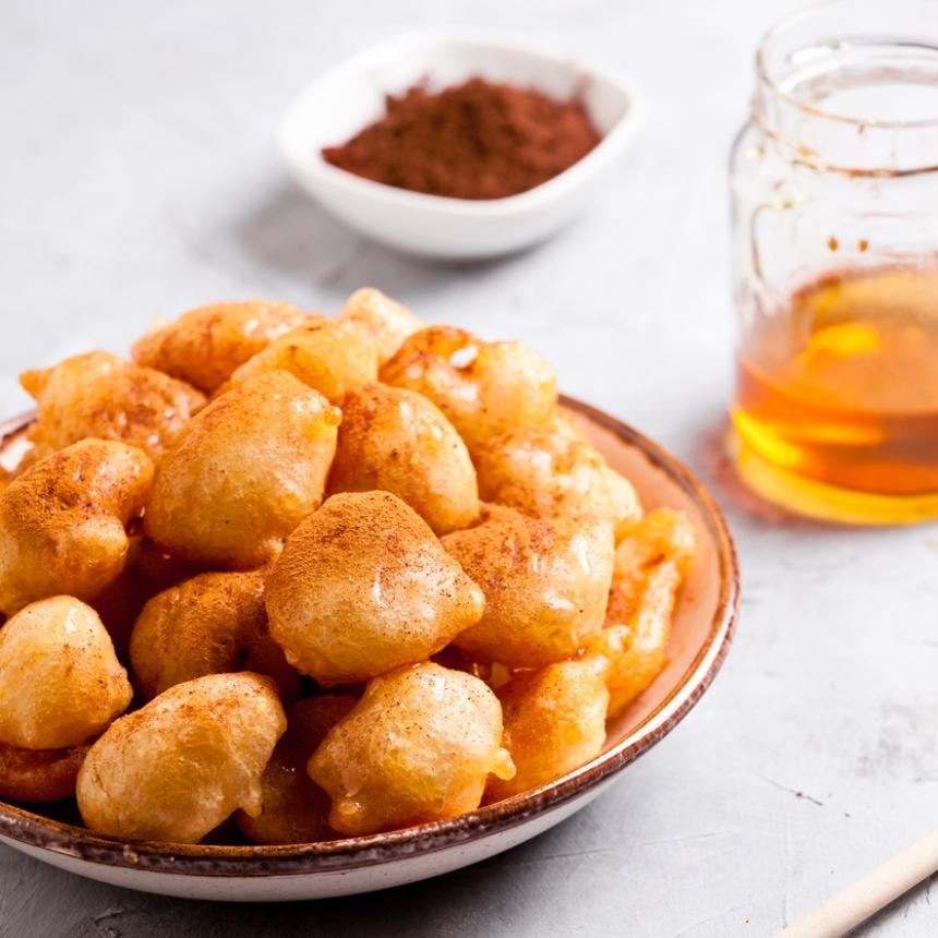 Συνταγή για παραδοσιακούς λουκουμάδες με μέλι