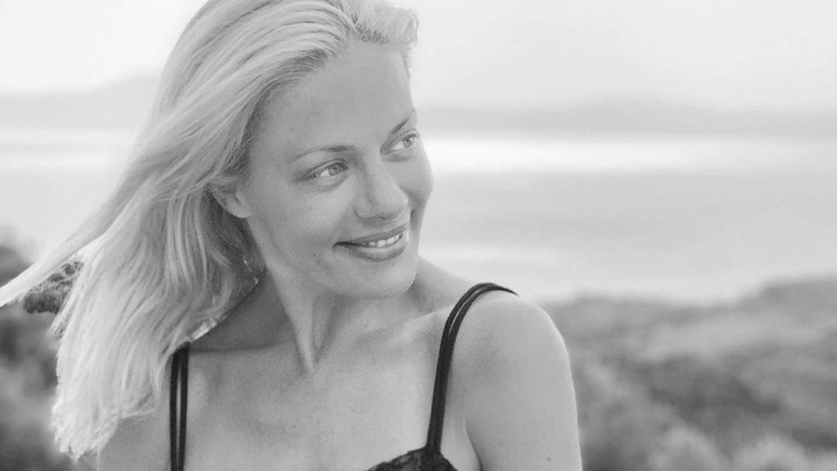 Ζέτα Μακρυπούλια: Έτσι περνά τις τελευταίες μέρες των καλοκαιρινών διακοπών της στη Κύθνο! [pics] | tlife.gr