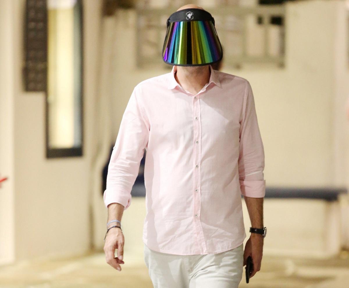 Η Μύκονος… αλλιώς! Κάνουν βόλτες με μάσκες στα Ματογιάννια! Φωτογραφίες