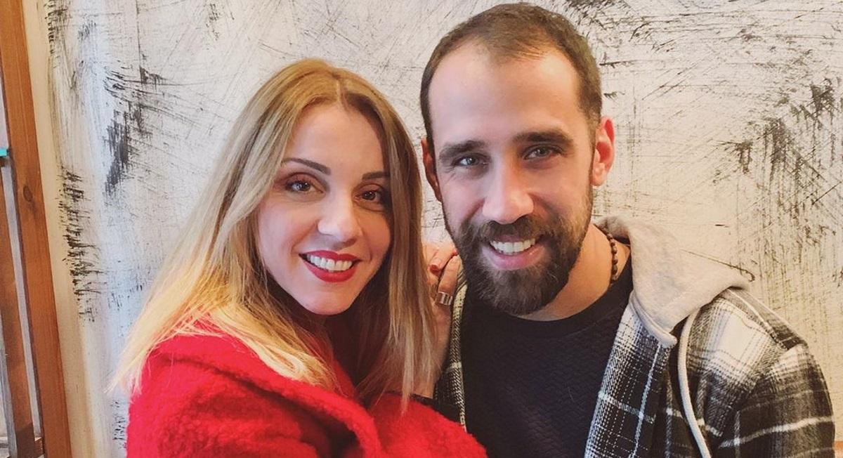 Ματίνα Νικολάου – Βασίλης Πορφυράκης: Ερωτευμένοι στις Σπέτσες [pics]