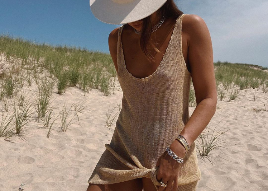 On the beach! Tι επιλέγουν να φορέσουν αυτό το καλοκαίρι οι influencers στην…παραλία;