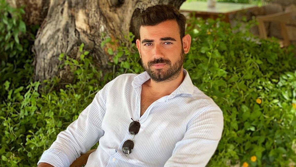 Νίκος Πολυδερόπουλος: Διακοπές στους Παξούς για τον γοητευτικό ηθοποιό [pics]