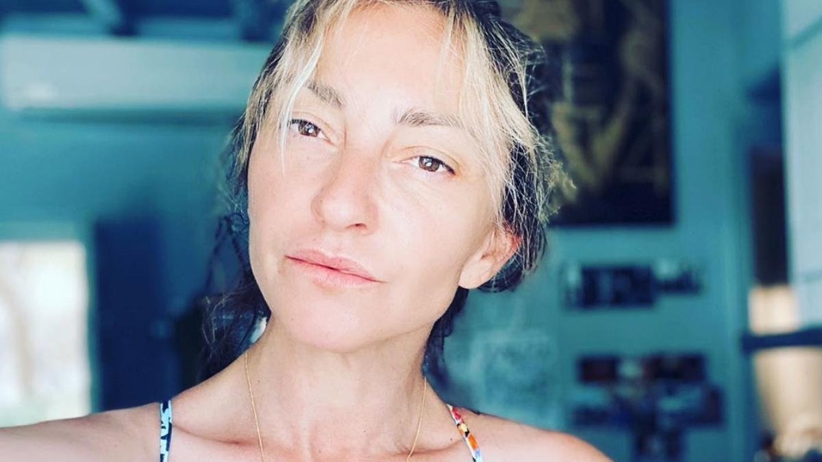 Ρούλα Ρέβη: Φωτογραφίζει τον Αποστόλη Τότσικα και τα δίδυμα στην παραλία! [pics]