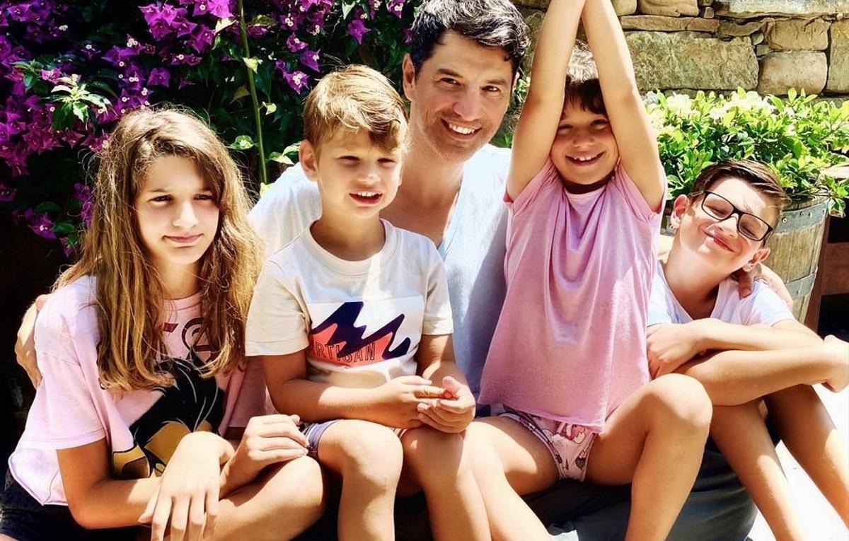 Σάκης Ρουβάς: Νέα καλοκαιρινή απόδραση με την οικογένειά του! Φωτογραφία