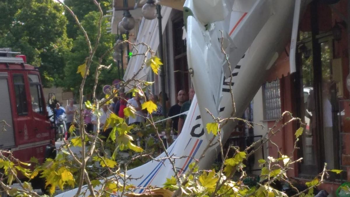 Μονοκινητήριο αεροσκάφος έπεσε μέσα στο χωριό Πρώτη Σερρών! (video)