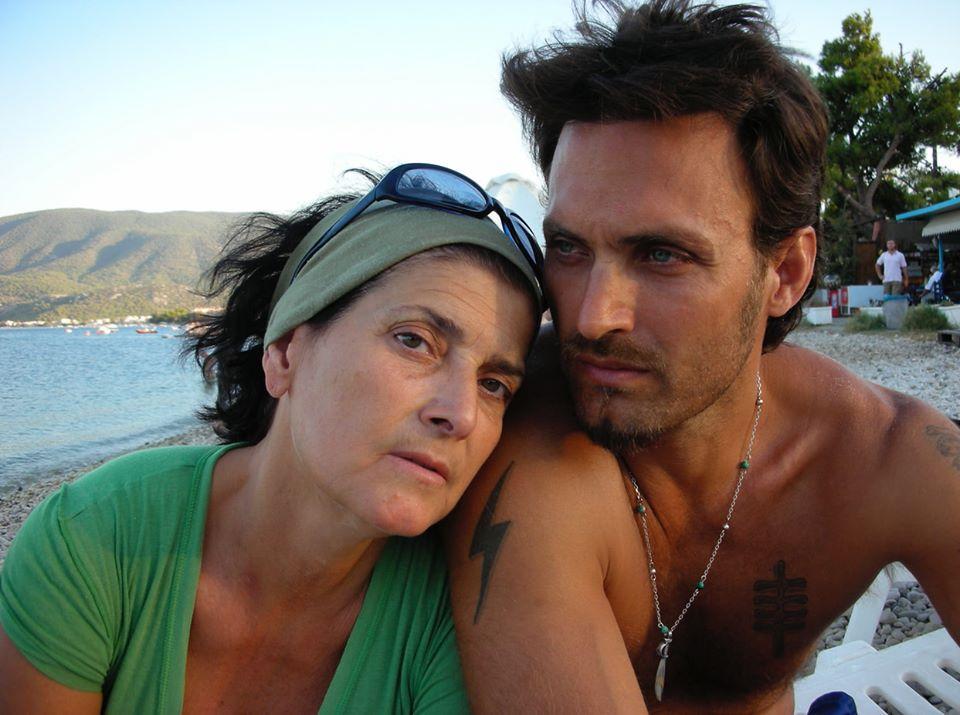Σπύρος Πώρος: Βαρύ πένθος για τον γνωστό φωτογράφο – Έφυγε από τη ζωή η μητέρα του.