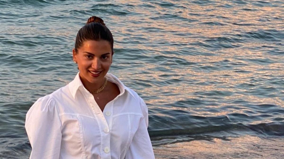 Σταματίνα Τσιμτσιλή: Απόλαυσε το μαγευτικό ηλιοβασίλεμα της Πάρου με καλή παρέα [pics]