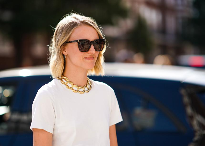 Πως να φορέσεις το λευκό σου t-shirt για πολλά…like