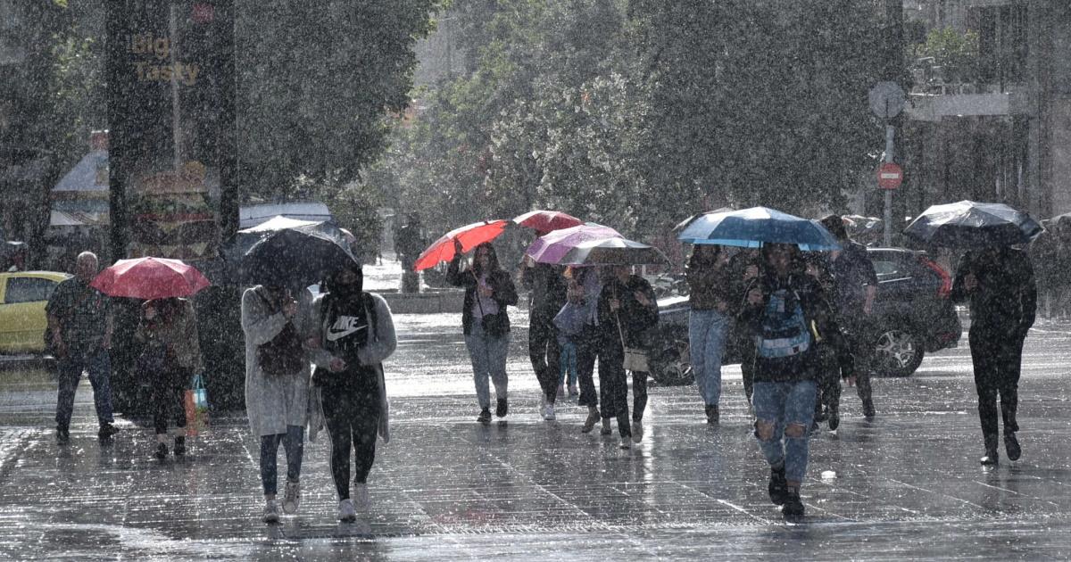 Καιρός αύριο: Παραμένει βροχερό το σκηνικό – Πού θα έχουμε καταιγίδες