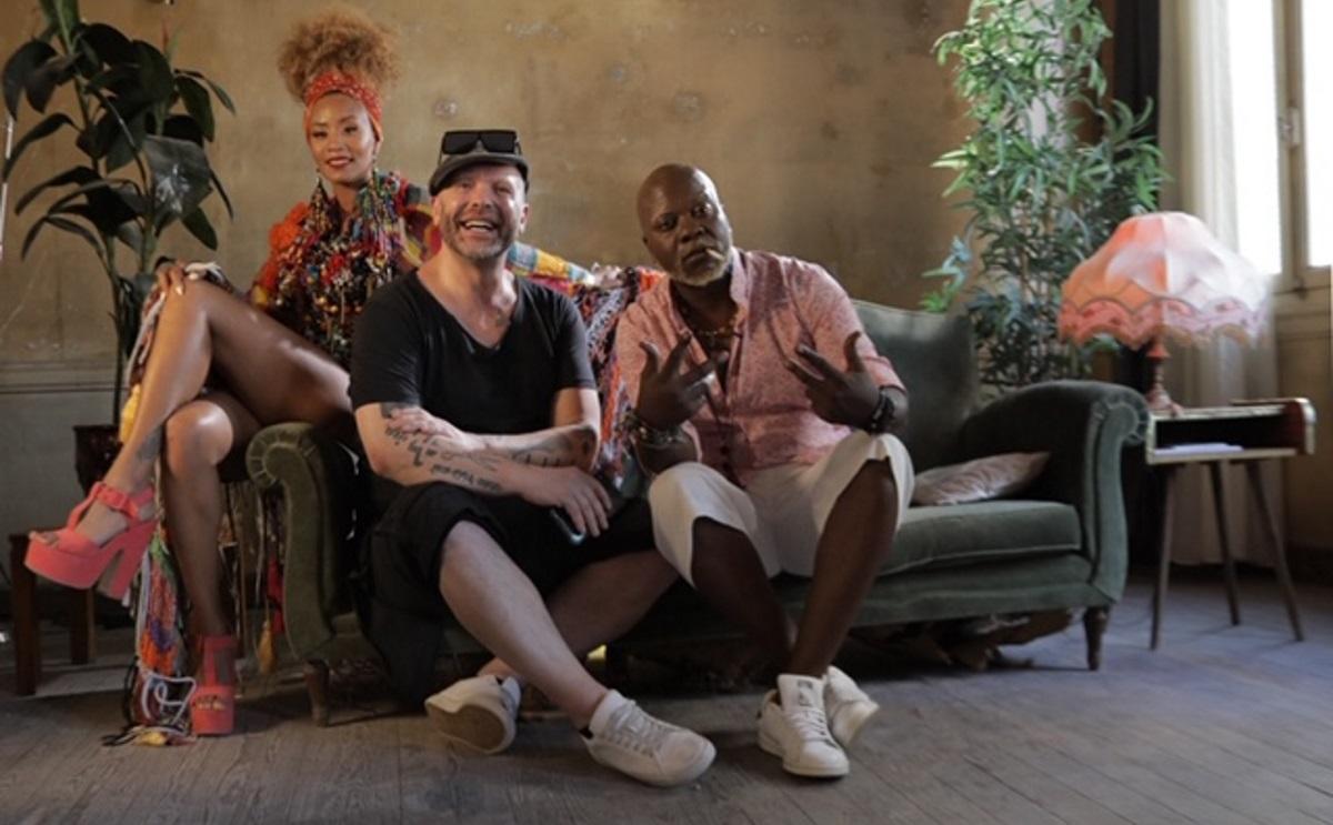 Ο Zeraw των Vegas βγάζει το πρώτο του solo τραγούδι! Τα εντυπωσιακά ρούχα από τους Celebrity Skin και τον Δημήτρη Στρέπκο