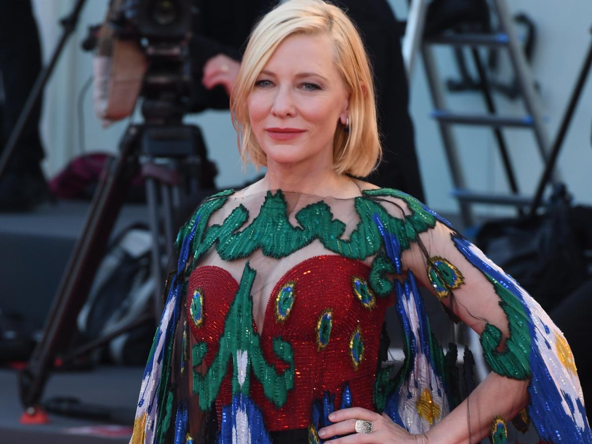 ΟMG!H Cate Blanchett στην τελετή λήξης του Φεστιβάλ Βενετίας μας θύμισε ξανά τι σημαίνει glam στο κόκκινο χαλί!