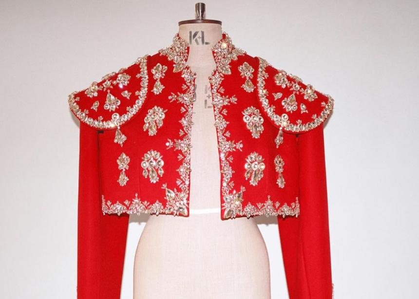 Δες τα εμβληματικά κουστούμια που σχεδίασε ο Riccardo Tisci για την όπερα της Μarina Ambramovic