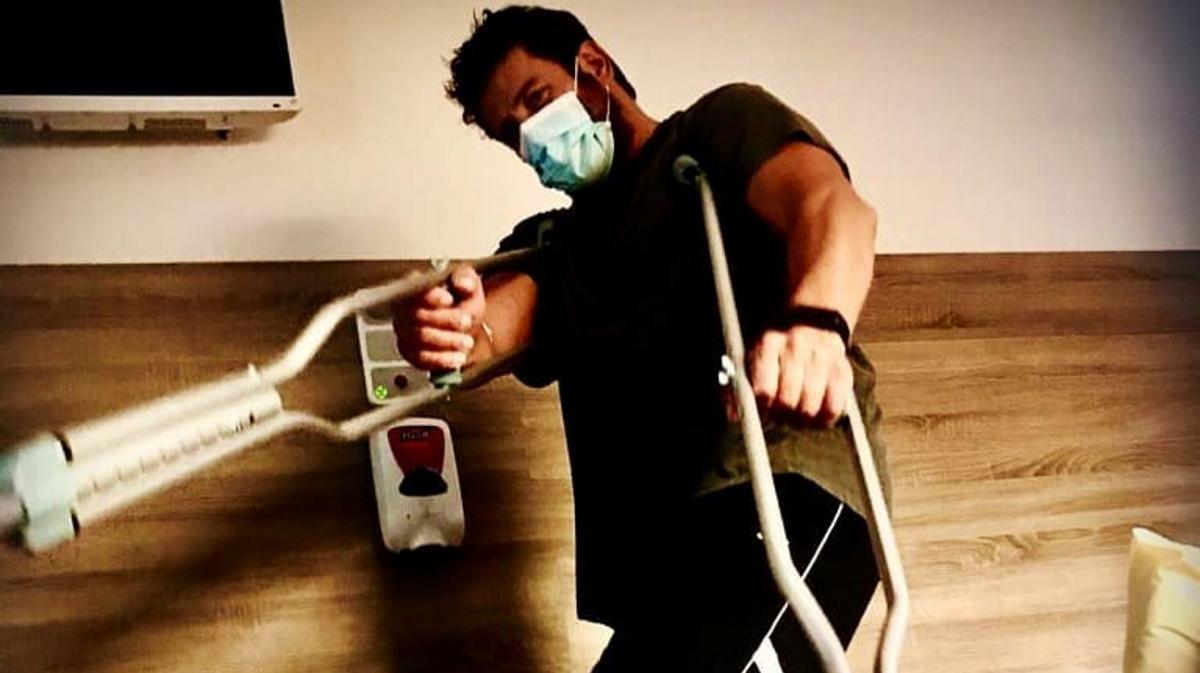 Ο Αλέξης Γεωργούλης περιγράφει πως έγινε το ατύχημα στο πόδι του, που τον έστειλε στο χειρουργείο [video]