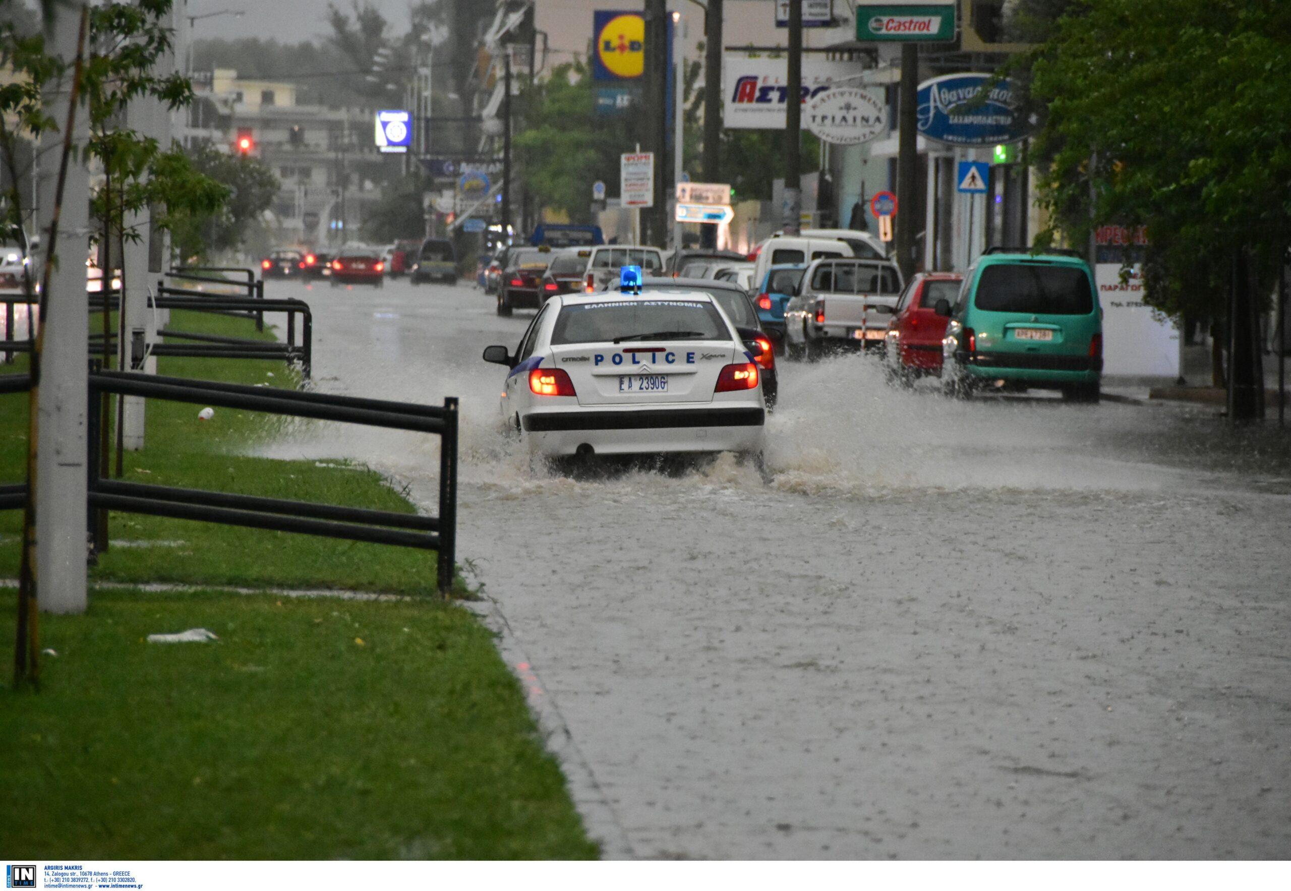 Καιρός αύριο: Επιστρέφουν οι πλημμύρες – Που θα πέσουν